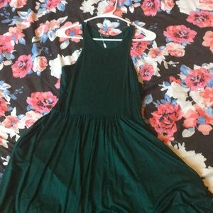 Dresses & Skirts - Green dress new with tags